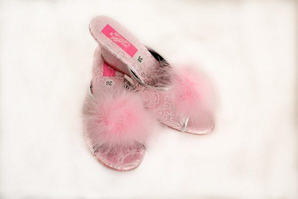Тапочки с розовым мехом