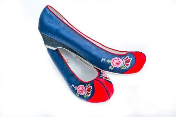 Туфли корейские национальные